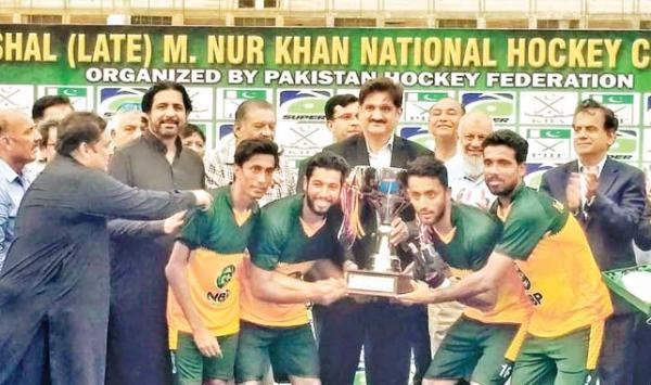 National Bank Hockey Becomes National Champion